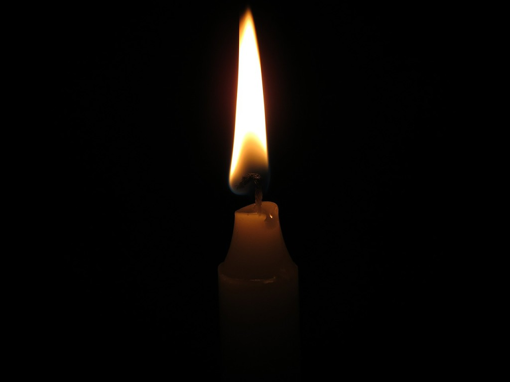 candlelight-596158_1280